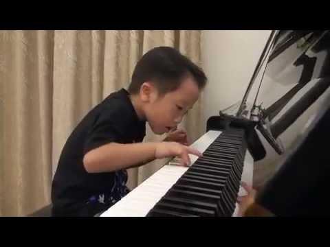 IMPOSSIBRU: Chinês de 5 Anos Abusa no Piano