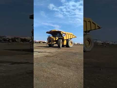 CATERPILLAR CAMIONES RÍGIDOS 793D equipment video e3q5mqNU0hM