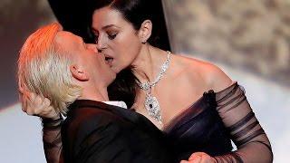 Video Страстный поцелуй Моники Белуччи на открытии Каннского фестиваля 2017 MP3, 3GP, MP4, WEBM, AVI, FLV November 2017