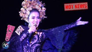 Video Hot News! Wow! Aksi Panggung Syahrini di Grand Launching Krisna Oleh-oleh - Cumicam 17 Mei 2019 MP3, 3GP, MP4, WEBM, AVI, FLV Mei 2019