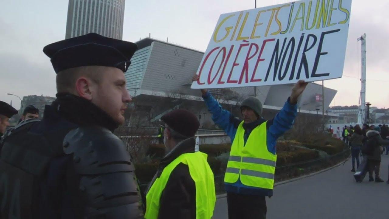 Κίνημα των 'κίτρινων γιλέκων'- Πάνω από 400 οι τραυματίες