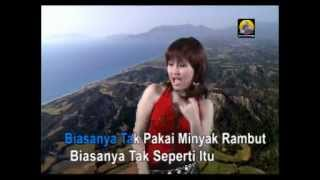 Video Minyak Wangi - Ayu Ting Ting MP3, 3GP, MP4, WEBM, AVI, FLV September 2018