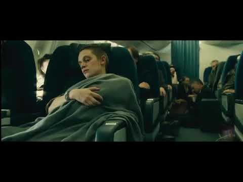 Zombies in aeroplan movie world war Z moment of the movie