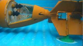 Partes De Submarino Casero R/C Prueba Debajo Agua/ Walkthrough Submarine Rc Underwater Video