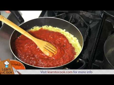 How to Make the Perfect Marinara Sauce