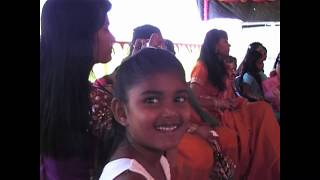 Short video of an average Hindu wedding in Guyana.Thses clips are from the Dulahin(bride's)side.