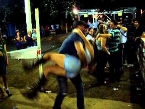 Eu e a Vick bagunçando na Oktoberfest-Pato bragado 07/10/11