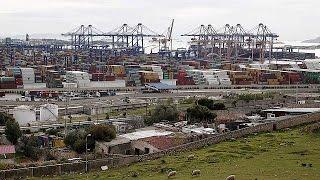 El gobierno Tsipras suspende la privatización de El Pireo pero respetará los contratos