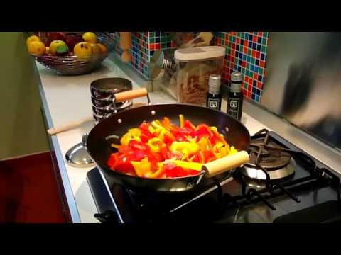 cooking in Italy - Italian cooking class on peperonata with a mamma in her home in Lecce, Puglia. A cooking class on Mama Margaret & Friends' Cooking, Wine & Olive Oil tour in ...