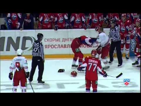 Бой КХЛ: Новотны VS Никита Комаров / KHL Fight: Novotny VS Nicky Komarov (видео)