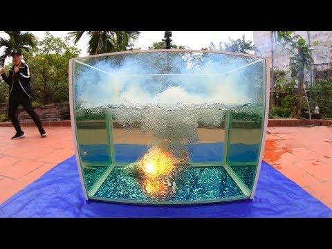 NTN - Tạo Một Vụ Nổ Dưới Nước Với 5000 Que Pháo Bông (5000 fireworks explode under water) - Thời lượng: 16:45.