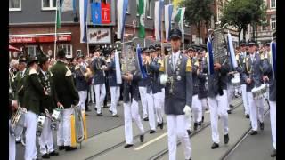 Bilker Schützen - Aufmarsch zur Serenade 2015