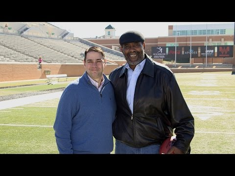 Mean Joe Greene & Coca-Cola Kid Reuntie After 36 Years
