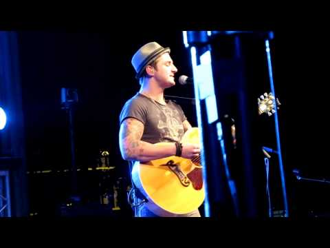 Secondhand Serenade - Let Me In (Live)