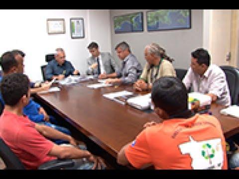 TCE Notícias - TCE intermedia reunião e garis decidem por fim à greve