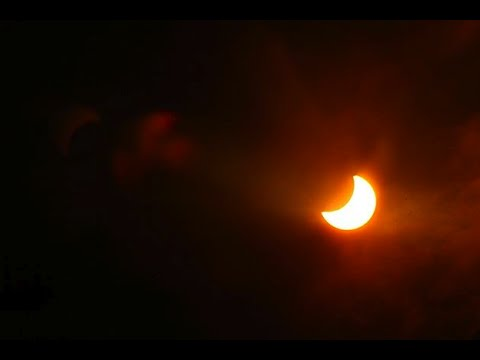Смотреть онлайн: Как население смотрело солнечное затмение? Встречи с НЛО