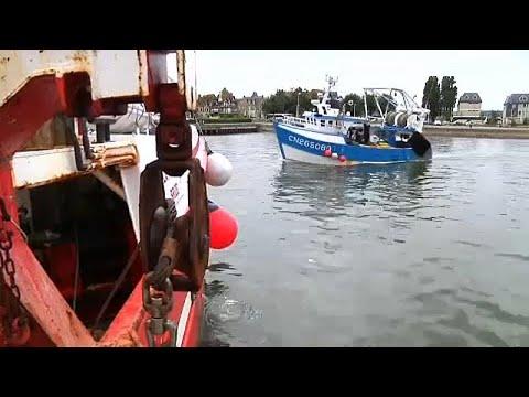 Γαλλία – Βρετανία: Καταρχήν συμφωνία για την αλιεία χτενιών…