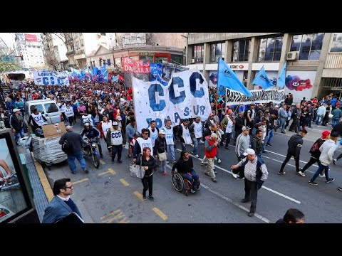 Argentinien: Tausende protestieren gegen Sparkurs der ...