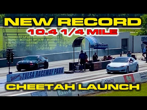 TESLA DESTROYS MUSCLE CARS * New Tesla Model S 1/4 Mile Record * Cheetah Mode Launch