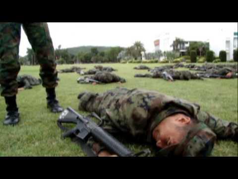 นาวิกโยธิน - MV ตัวเต็ม มหาลัยไม่มีสอน นาวิกโยธิน กองทัพเรือ จัดทำโดย บก.พัน.ฝ.๑ กฝท.ศฝ.นย. ขอขอบคุณ เพลง...