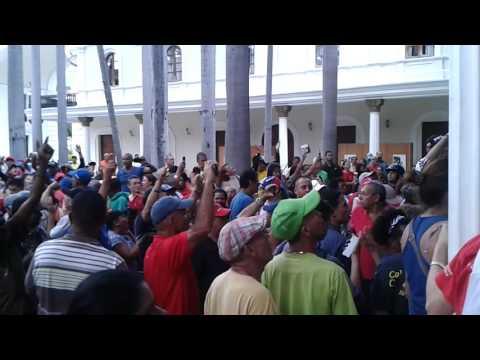 Toma de la Asamblea Nacional por el pueblo revolucionario
