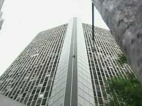 Reali Life Spiderman in Brazil Tower stunt Video