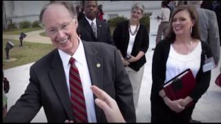 Alabama Governor resigns