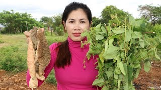 Awesome Cooking Cow Intestine With Sneng Leaves Delicious Recipe - Cook Beef - Village Food Factory