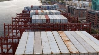 Video On board the Majestic Maersk (400m) World´s largest ship 25.09.2013 MP3, 3GP, MP4, WEBM, AVI, FLV Juni 2018