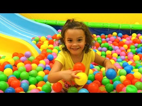 Indoor Playground Family Fun for Kids- Funderdome , Indoor Play Area Plac zabaw #2 (видео)