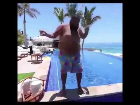 دي جي Khaled يؤدي تحدي Kiki في حمام السباحة