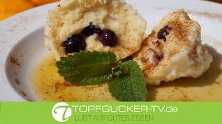 Süße Klösse gefüllt mit Heidelbeeren | Dessert Rezept