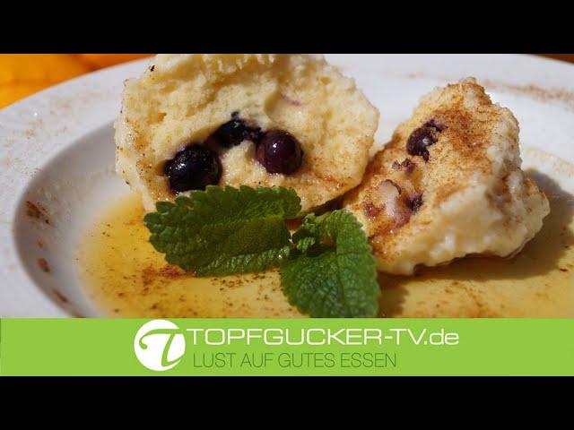 Süße Klösse gefüllt mit Heidelbeeren   Dessert Rezept