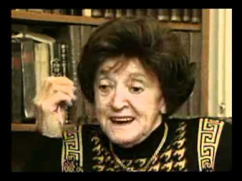Esther Burstein describes maintaining her faith during the Holocaust
