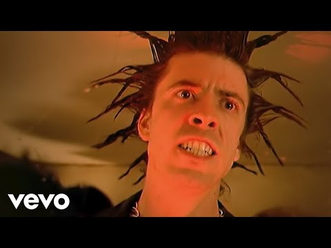 everlong - Music video by Foo Fighters performing Everlong. (C) 1995 Roswell Records, Inc.