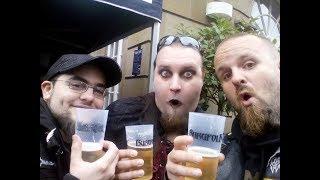 Dodo und ich waren auf dem Castle Rock Festival und Mülheim an der Ruhr und waren schon gut angetrungen bevor es überhaupt angefangen hat. Schaut selber und lacht uns aus^^Zu mir:Facebook: https://www.facebook.com/TiggaAC/Facebook: https://www.facebook.com/Mittelaltermarktmusik/Twitter: https://twitter.com/TiggaAC