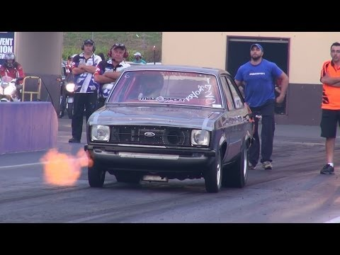 Ford Escort makes 7-second pass with rotary engine