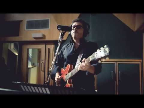 Mike Sponza ft. Ian Siegal - Poor Boy - Thời lượng: 4:58.