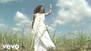 Music video by Clara Nunes performing Morena De Angola.