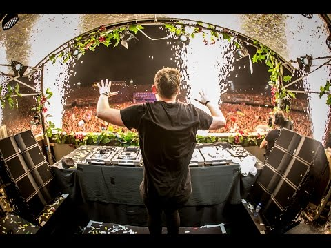 FULL HD - Show some love and vote for Hardwell http://djhardwell.com/vote Hardwell - Live at Tomorrowland 2014 | 26-07-2014 Tracklist: http://1001.tl/55665 Subscribe to my channel now! → http://bit.ly/Har...