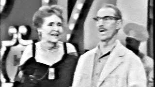 "Video Hollywood Palace 2-28 Groucho Marx (host): ""Animal Crackers"" with Margaret Dumont; Melinda Marx MP3, 3GP, MP4, WEBM, AVI, FLV Juni 2018"