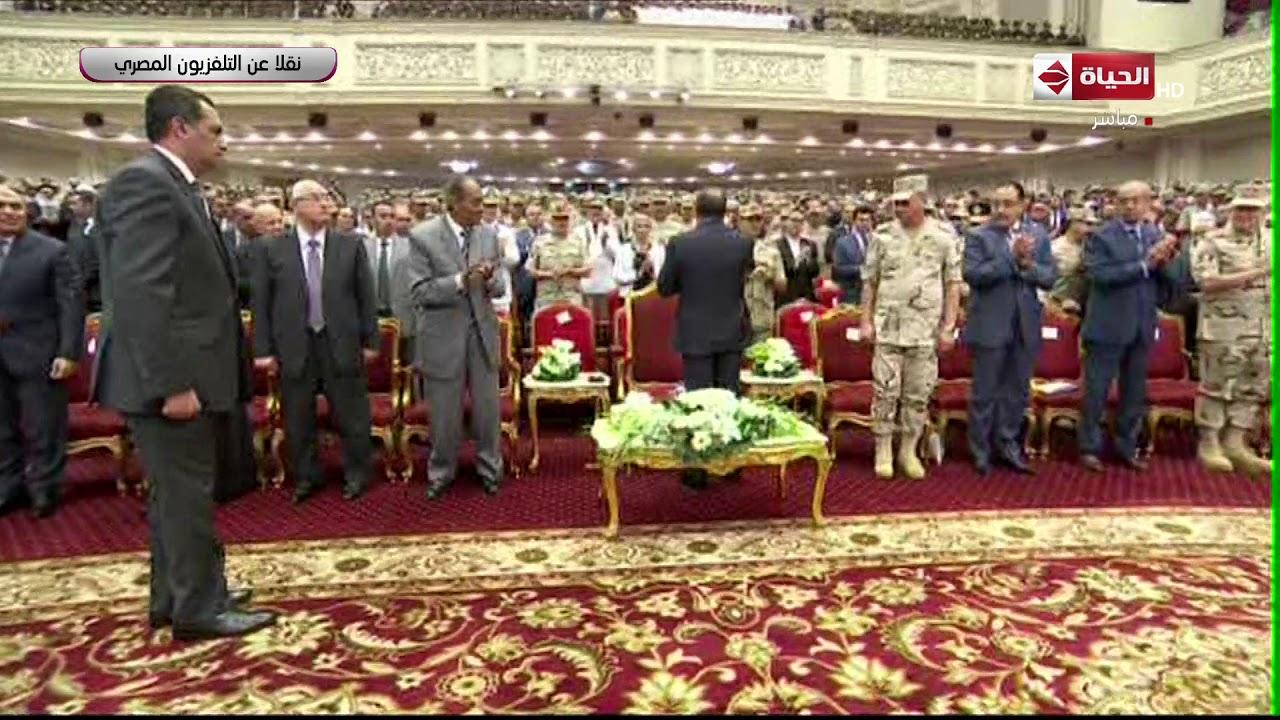 """لحظة وصول الرئيس السيسي الندوة التثقيفية للقوات المسلحة """"إرادة وتحدي"""" تزامنا مع احتفالات أكتوبر"""