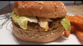 Try this filling and tasty chickpea burger :)