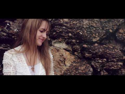 Athenas Venica - Cristo Reina - Videoclip Oficial - Música Católica