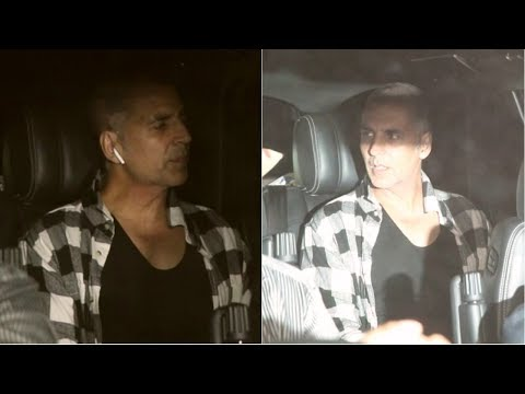 Akshay Kumar Spotted At Yash Raaj