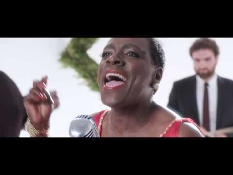 Sharon Jones & the Dap-Kings Romp Thru 'White Christmas'