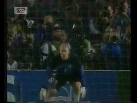 peter schmeichel the worlds best goalkeeper (видео)