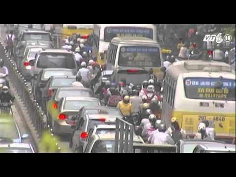 Nhiều vướng mắc trong triển khai buýt nhanh ở Hà Nội