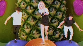 Video Paramore: Caught In The Middle [OFFICIAL VIDEO] MP3, 3GP, MP4, WEBM, AVI, FLV Juli 2018