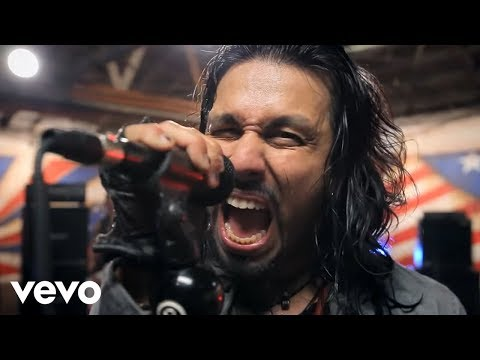 Pop Evil feat. Mick Mars – Boss's Daughter